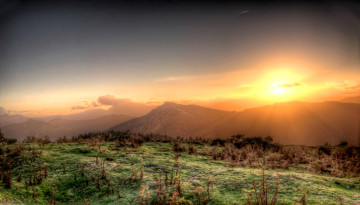 Sunset Akondia